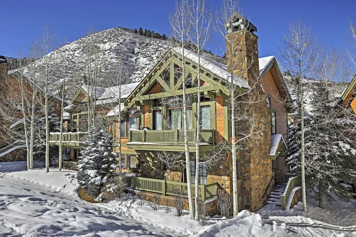 Magnificent 4BR Ski-In/Ski-Out Edwards Townhome!