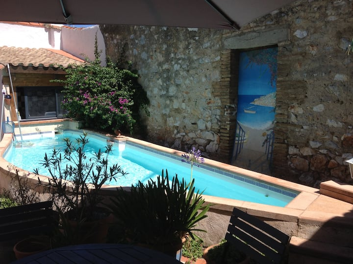 Grande chambre, SdB, CLIM, proche mer avec piscine