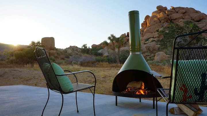 Rockwood Retreat - Your Pioneertown Boulder Garden