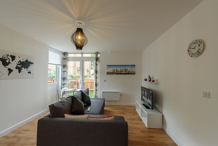 Town Center Apartment - Bedford - อพาร์ทเมนท์