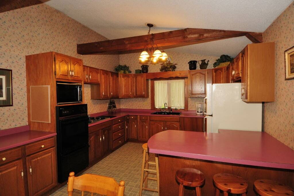 Katahdin House - Kitchen