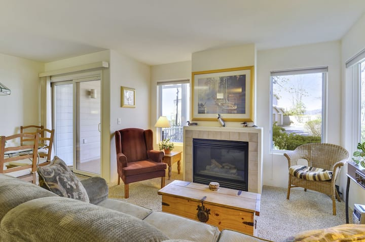 Enjoy the Lakeview! Complex centrally located in Kings Beach, right on the Lake!