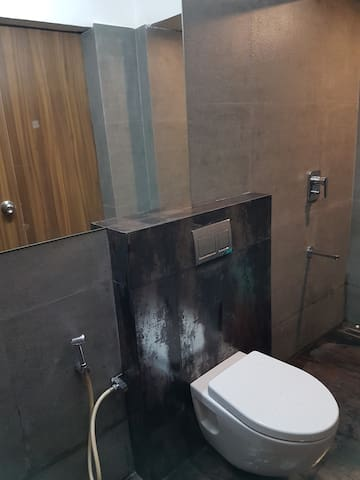 Metallic Joint Bathroom