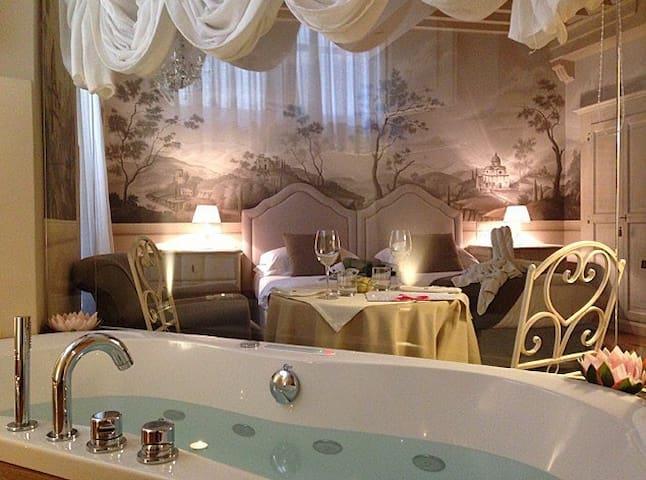 Grand Suite Cortona Luxury B&B