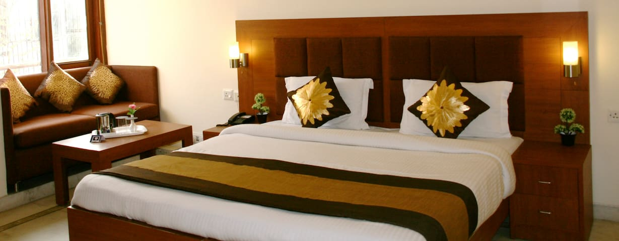 BnB DLF Phase I  (Gurgaon) - Gurgaon - Bed & Breakfast