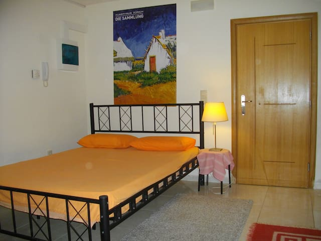 Cosy studio 150 metres far from the beach - Patras - Appartement