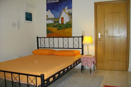 Cosy studio 150 metres far from the beach - Patras - Daire