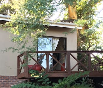Self catering accomodation close to the beach - Amanzimtoti - Chalet