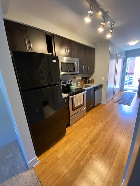 #208 Spacious 1 Bedroom Loft Downtown