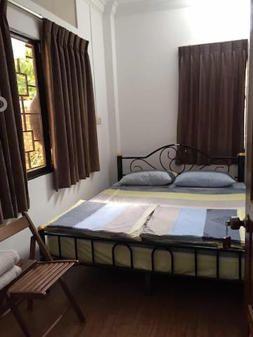 Double Bed Private Room~Roly Hostel (Small Room)