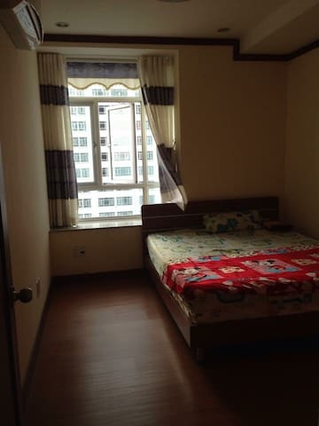 Cozy room with swimming pool view - Nha Be