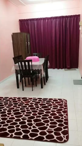 Amsyar Homestay - City Centre Budget Guesthouse
