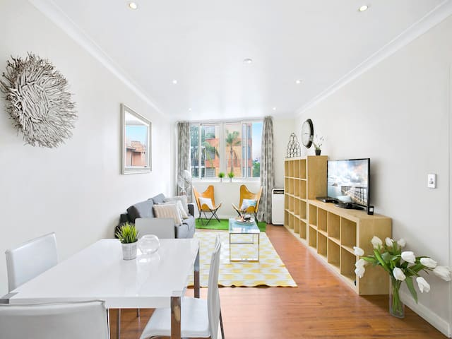 NEW YORK STYLE APARTMENT IN TRENDY POTTS POINT - Potts Point