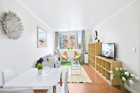 NEW YORK STYLE APARTMENT IN TRENDY POTTS POINT - Potts Point - Wohnung