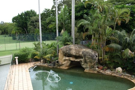 Retreat on acreage, Pool Tennis Court Rain Forest - Tinbeerwah - อพาร์ทเมนท์