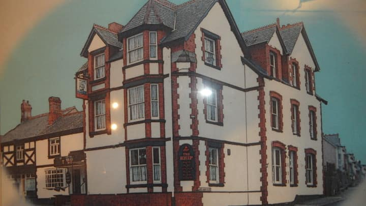 Ship Inn- Large 1st Floor 3 Bed Flat Sleeps 6+kids