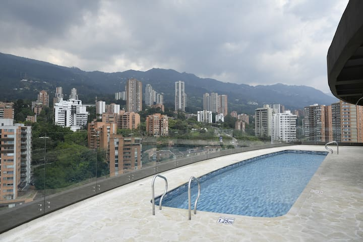 Rooftop Pool - Gym - 2Bed 2Bath - DualAC - Poblado