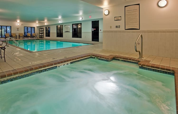 King Suite near the University of Missouri | Fitness Center + Free Daily Breakfast