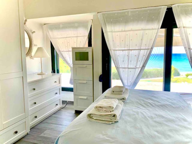 Master Bedroom with sea view.