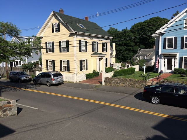 Antique Home in Old Town - Marblehead - Maison