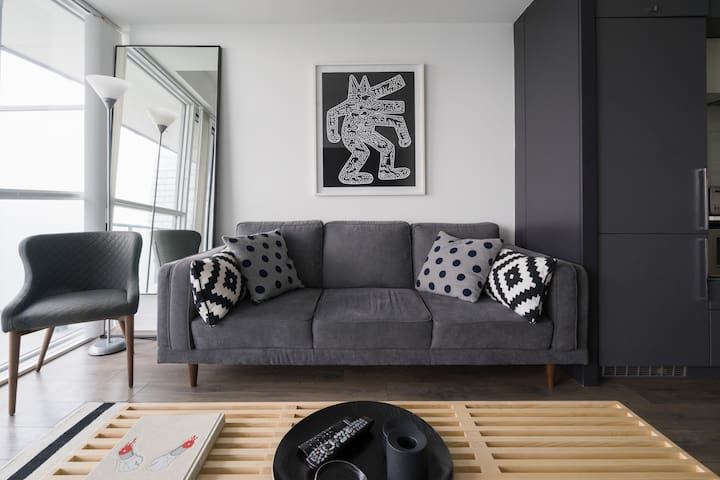 Black-and-White Executive Suite