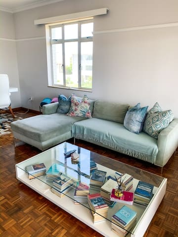 Stunning and cosy Summerstrand Beach Apartment.