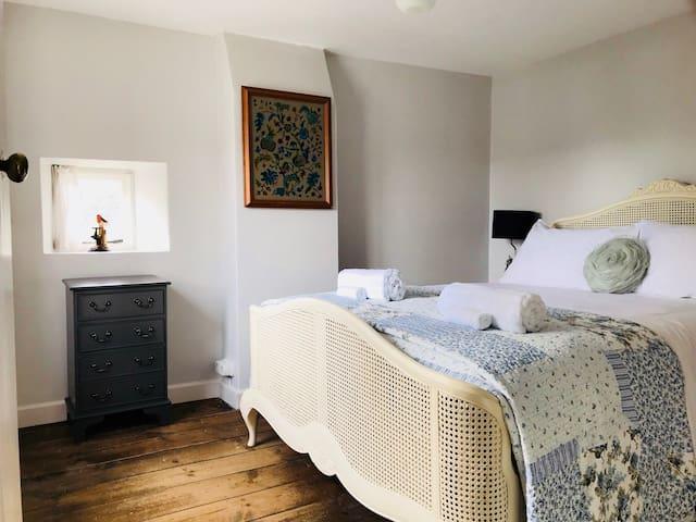 Double bedroom upstairs.
