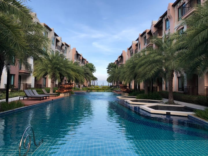Private condo beachfront at Q seaside Huahin
