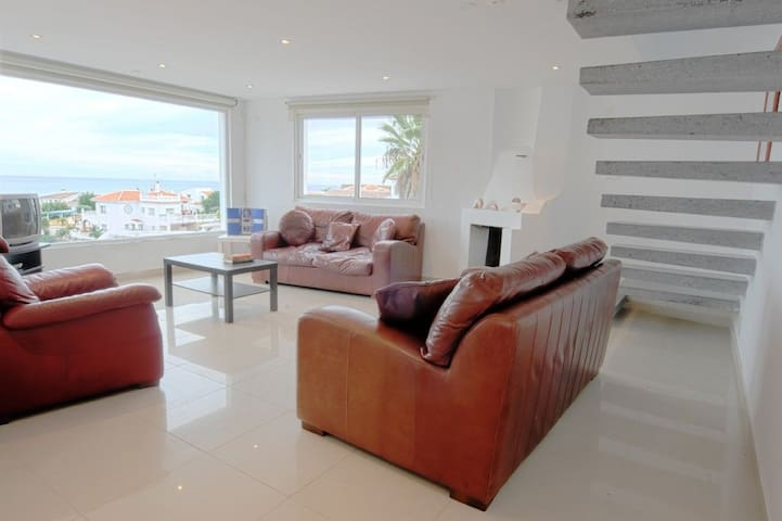 Nerja Villa with Apartment Underneath Opp Beach! - Nerja - Villa