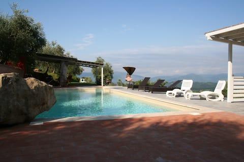 Villa in Lunigiana , pool
