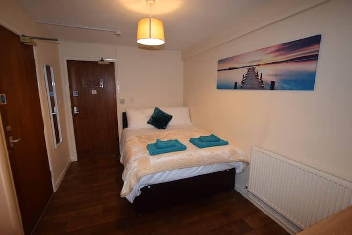 **The Watling Inn** Standard Double room**Parking
