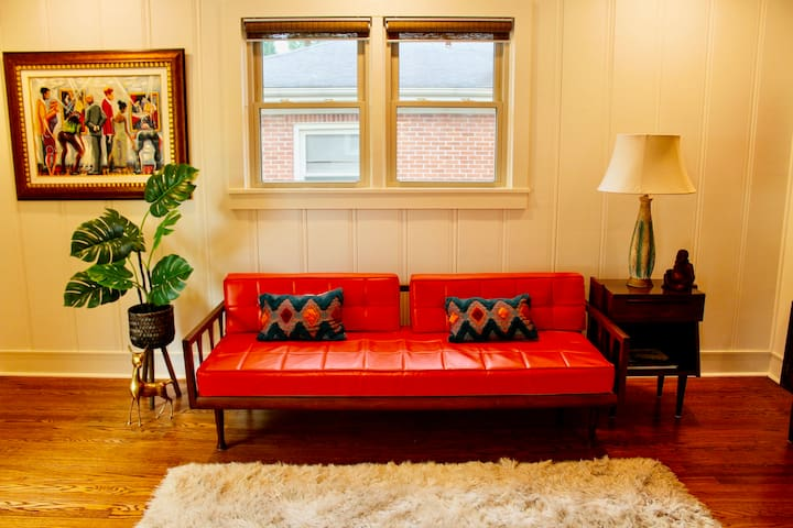 Living Room with sofa / bed.