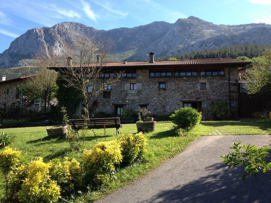 Casa entera cerca de bilbao casas rurales en alquiler en olazabal pa s vasco espa a - Casas pais vasco ...