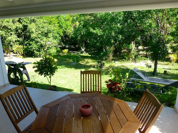 LITTLE SAB Cottage - a few steps from the beach