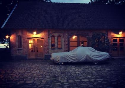 Gladeholm - Stenshuvud artist studiospace