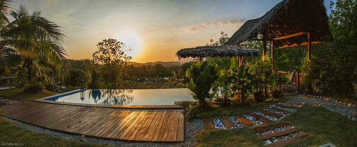 Alamanda Hilltop Villa - Stunning Sunset View
