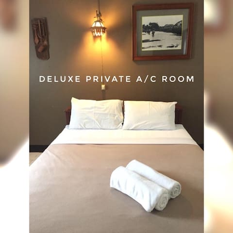 Guethouse Oldtown Double AC Room in Chiangmai