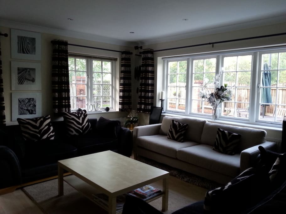The Garden Room Bathroom Jacuzzi Houses For Rent In Knutsford United Kingdom