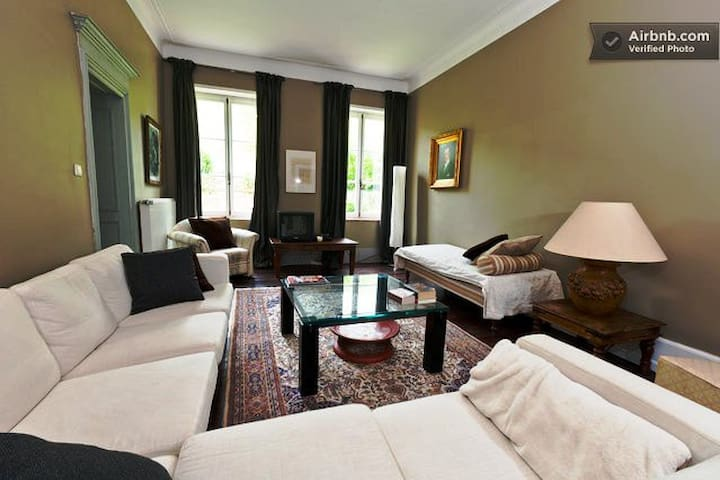 Château-Mosel valley private suite - schengen - Slott