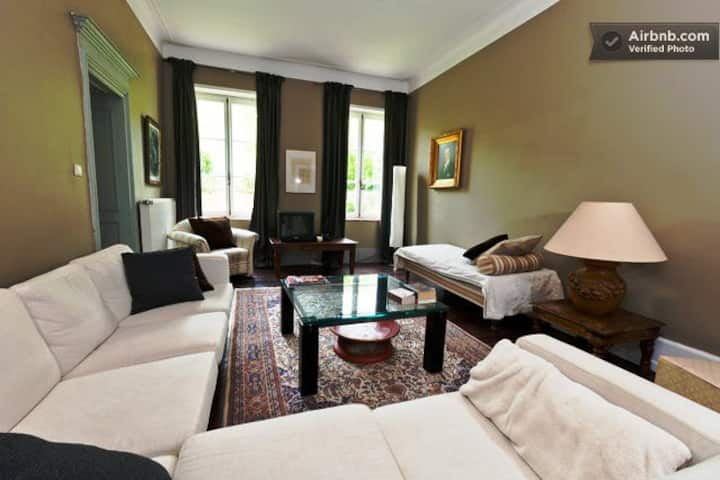 Château  - Suite with views to river and vineyards