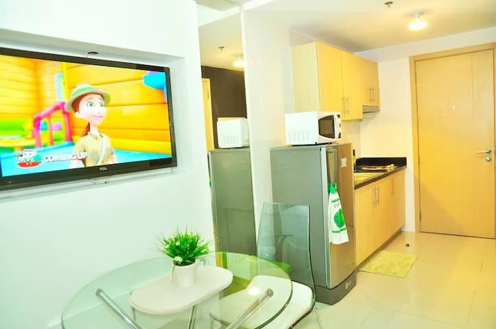 Cozy 1 Br Resort Condo QC w/ Wi-Fi - Ciudad Quezon - Appartement