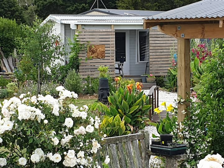 Tui Garden Cottage