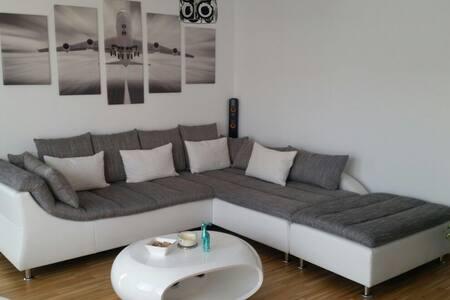 Ganzes Apartment am Flughafen/Messe - Ostfildern - 公寓