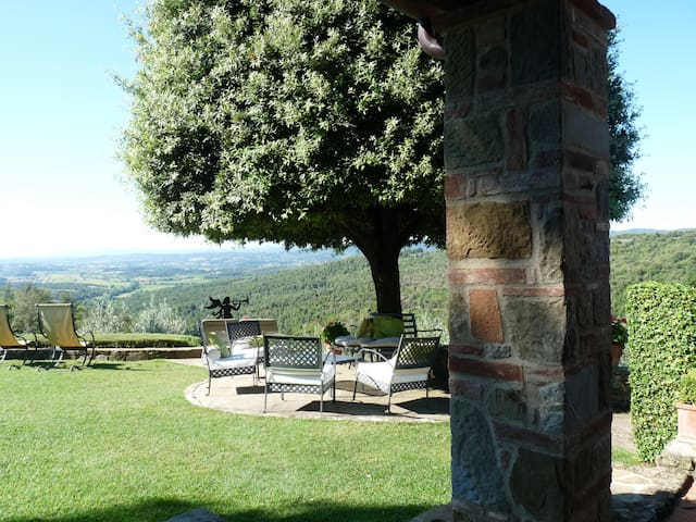 Tuscany Villa with Breathtaking View - Civitella in Val di Chiana - Villa