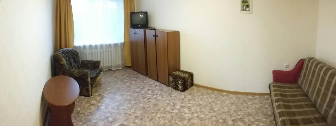 квартира (эконом вариант) в расширенном центре.