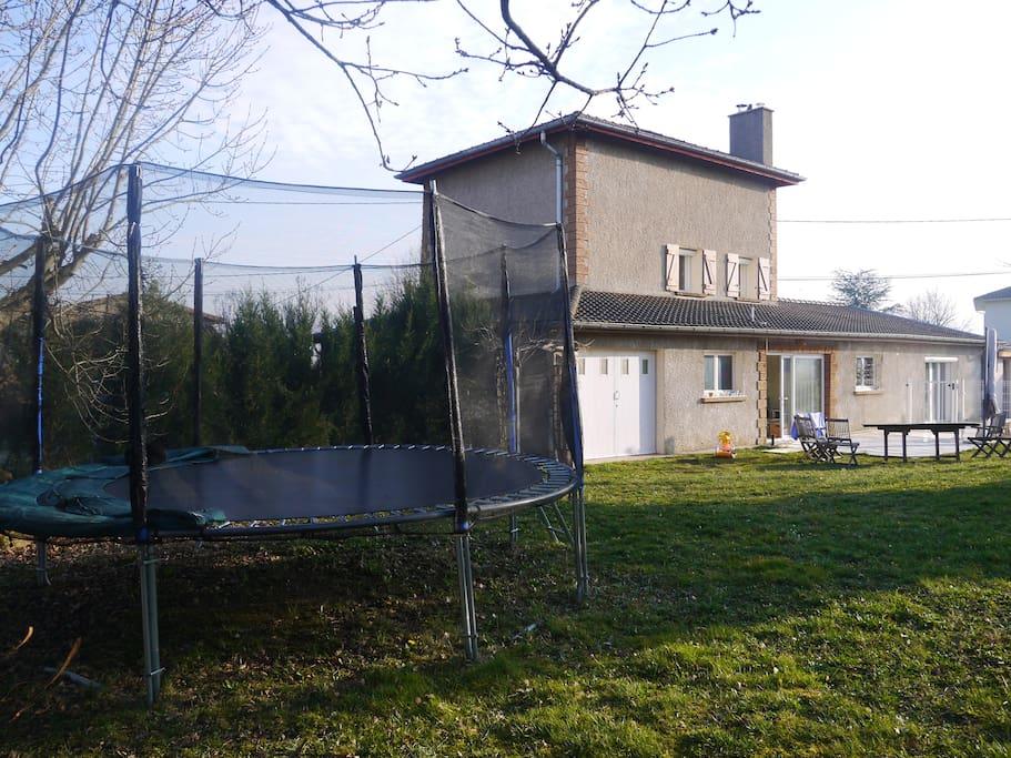 Agr able maison de vacances lyon maisons louer for Piscine mornant