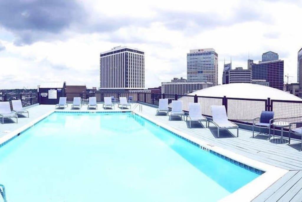 Rooftop Pool with Skyline Views!