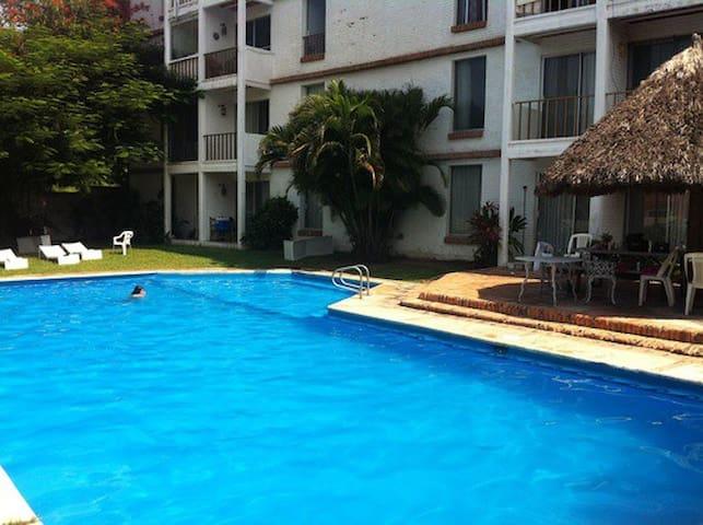 Bucerias-Vallarta Suites,2BR,15 mins Airport - Bucerias - Apartamento