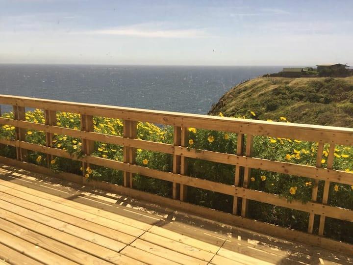 Amplia casa de playa con vista al mar