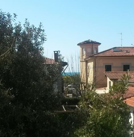 150 mt by the sea, in the heart of Versilia! - Pietrasanta - House